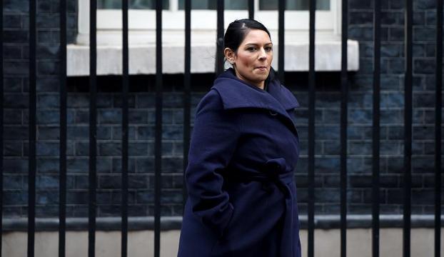 """İngiliz Bakanın """"gizli"""" İsrail temasları tartışma yarattı"""