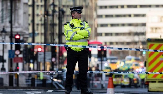 İngilterede saldırı sonrası baskınlar, 7 gözaltı!