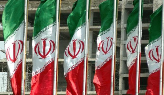 """İranda """"tuzlu su"""" halkı göçe zorluyor"""