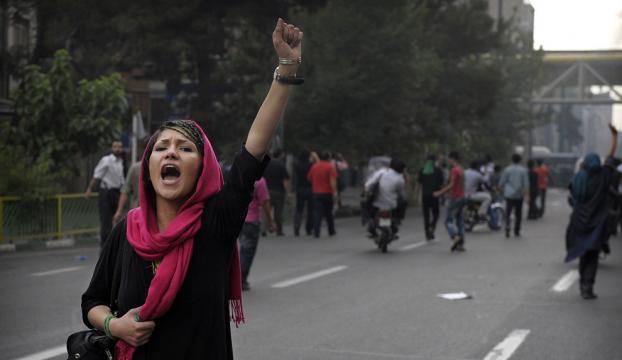 İrandaki gösterilerde 9 kişi hayatını kaybetti