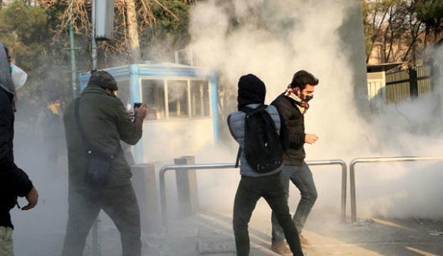 İranda protestoculara gözdağı
