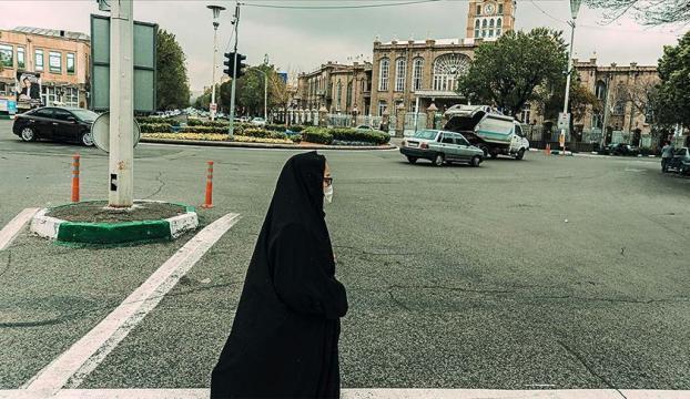 """İranda 3 ayda 7 binden fazla kız çocuğu """"gelin"""" edildi"""