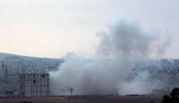 IŞİD, sınır kapısında silahlarla saldırıyor