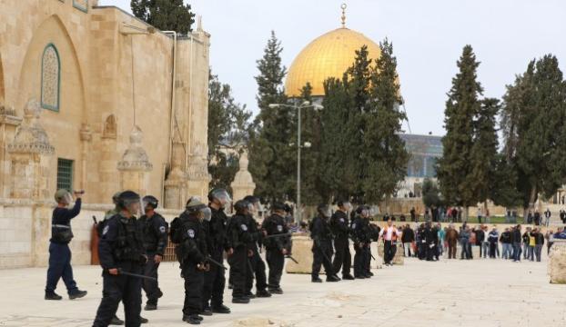 Müslümanları Mescid-i Aksadan attılar