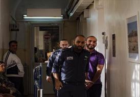 İsrail'in sınır dışı etmeye çalıştığı AA muhabirinden haber gelmiyor