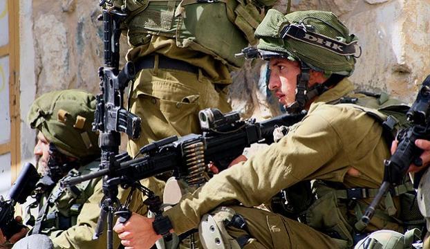 İsrailin güneyinde bir İsrail askeri öldürüldü