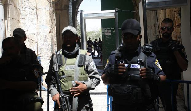 İsrailli bakandan Aksadaki dedektörlerin kaldırılmasına tepki