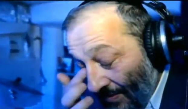 İsrailli bakan ağlamak için soğan kullandı