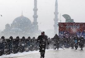 Meteoroloji İstanbul'da kar yağışı için saat verdi