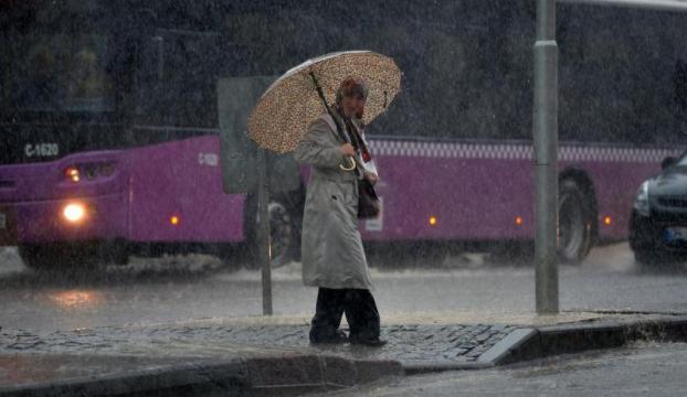 İstanbulda sağanak yağış başladı!