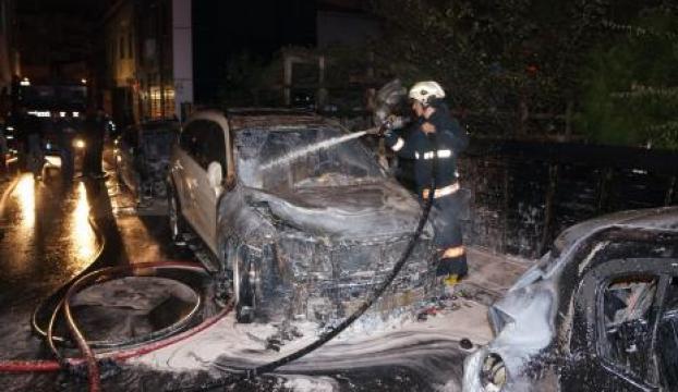 İstanbulda 20 araç kundaklandı