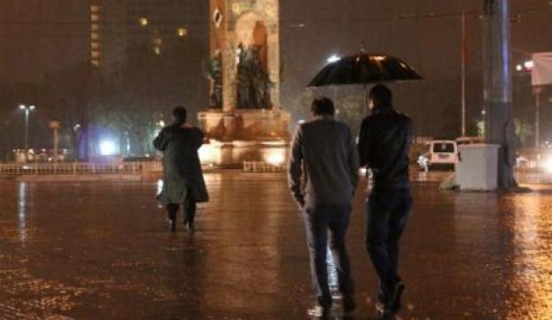 İstanbulda yağmur etkili oldu