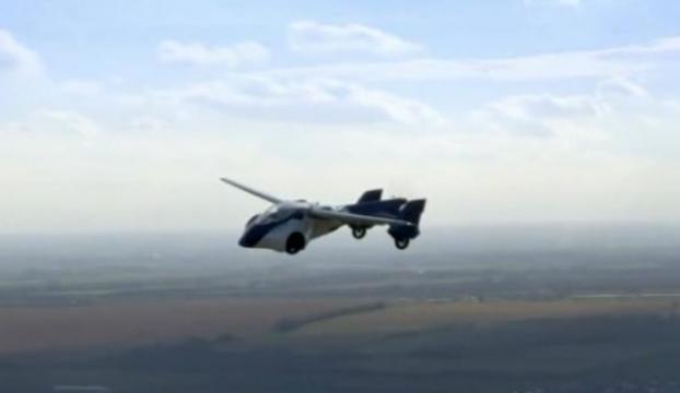 İşte uçan otomobil !