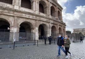 İtalya'da Kovid-19 nedeniyle ölenlerin sayısı 10 bin 779'a yükseldi