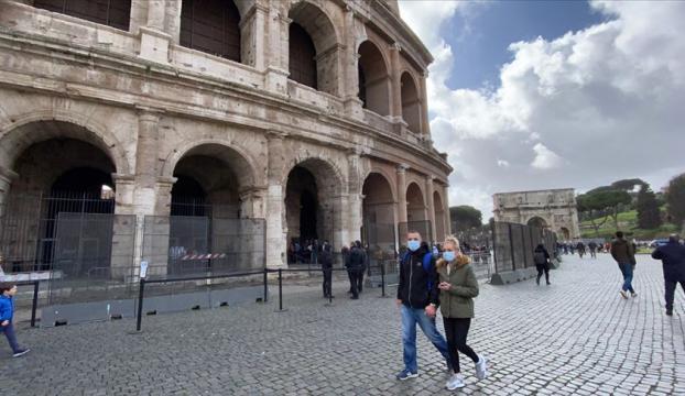 İtalyada Kovid-19 nedeniyle ölenlerin sayısı 10 bin 779a yükseldi