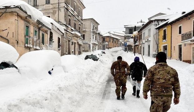 İtalyada çığ felaketi: Çok sayıda ölü var