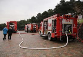 Çekmeköy'de çıkan yangın itfaiye tarafından söndürüldü