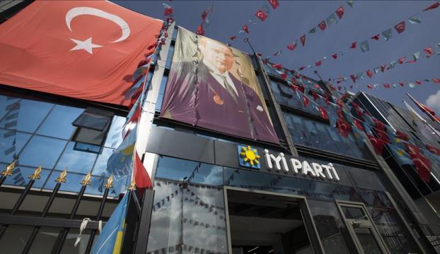 İYİ Partinin kurucu üyesi Cezmi Polat partisinden istifa etti