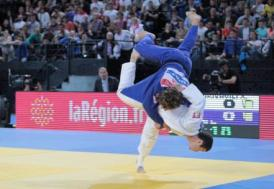 Televizyon izlerken judoya başlayan sporcunun hedefi altın madalya