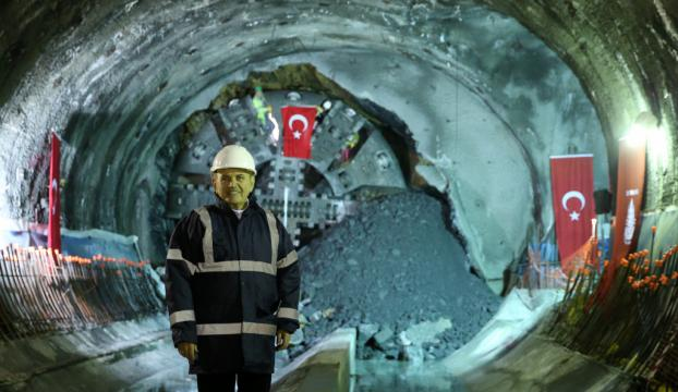 Mecidiyeköy-Mahmutbey metrosunda son kazma böyle vuruldu
