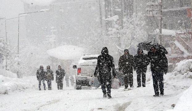 Ardahanda ulaşıma kar engeli