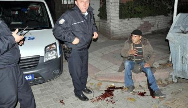 Karacabeyde bıçaklı saldırı