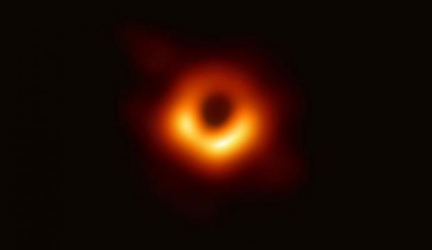 İlk kez bir kara delik görüntülendi