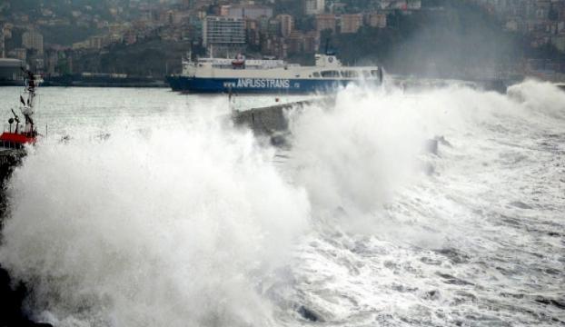 Rüzgar Zonguldak limanını vurdu