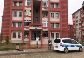 Karaman'da bir kişi, annesiyle birlikte yaşadığı evde ölü bulundu