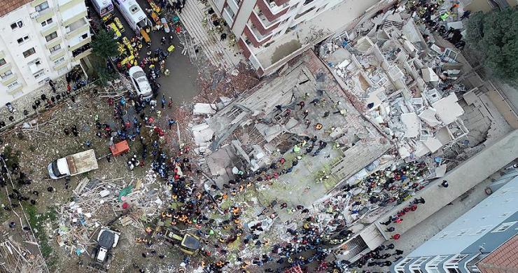 Kartal'daki çöken binaya ilişkin 4 kişi gözaltına alındı