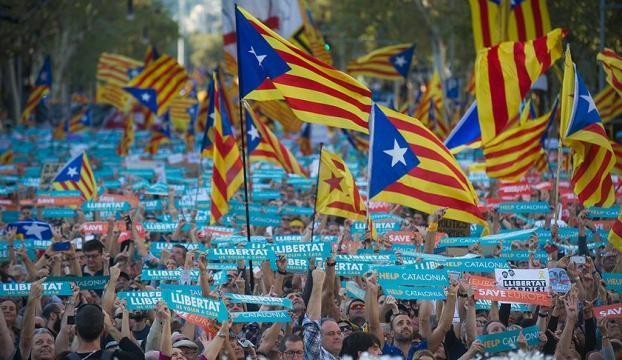 Katalonyadaki parlamento seçimlerini ayrılıkçılar kazandı