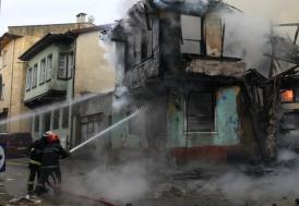 Bursa'da Kayhan Çarşısı'nda yangın