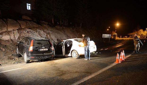 Kaymakamın makam aracı ve otomobil çarpıştı 2 ölü