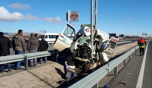 Kayseride trafik kazası: 4 ölü, 10 yaralı