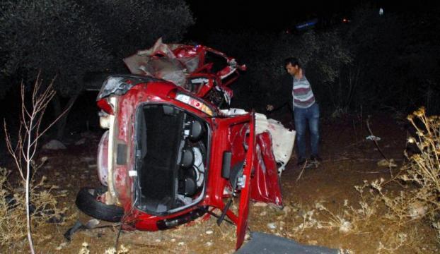 Sakaryada otomobil ile kamyonet çarpıştı