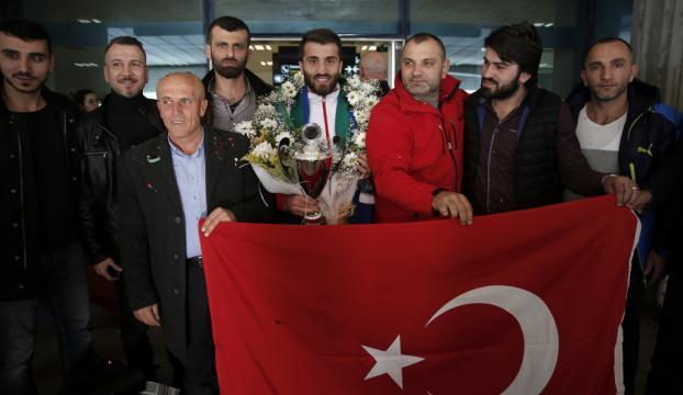 Şampiyon kick boksçu Trabzonda