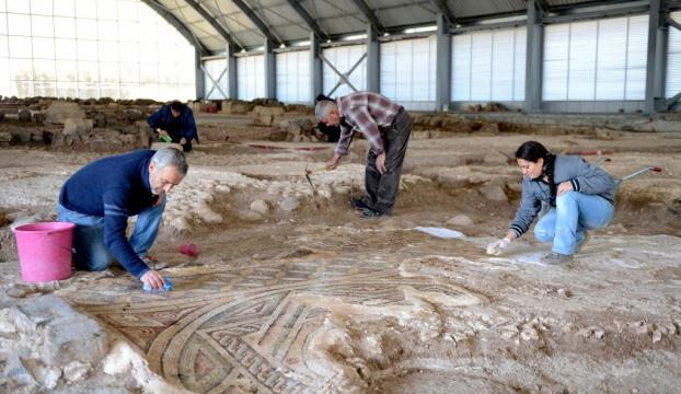Kilisteki bin 600 yıllık mozaikler turizme kazandırılacak
