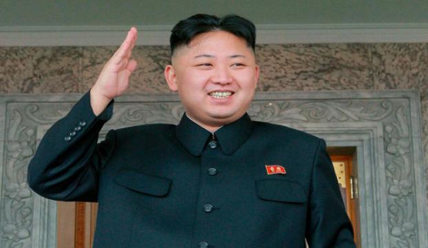 Kim Jong-un bastonuyla görüntülendi