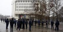 Kırım'da parlamento binası ele geçirildi