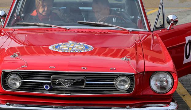 Bursada klasik otomobil turu