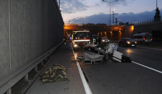 Kocaelide otobüsle otomobil çarpıştı: 2 ölü, 1 yaralı