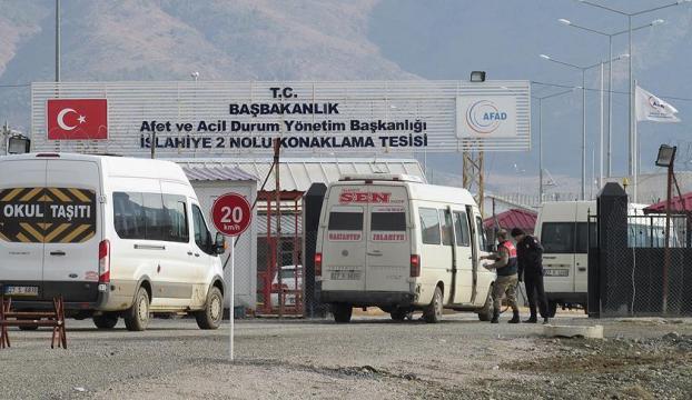 Türkmenler konteyner kente yerleştiriliyor