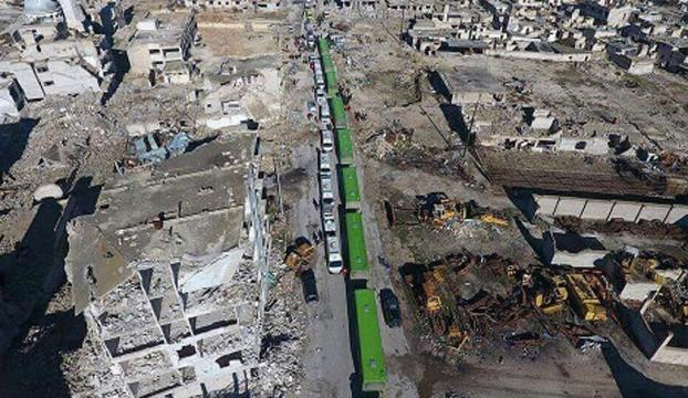 Halepte ilk tahliye konvoyu rejimin kontrol noktasından geçti