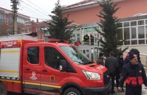 Konya'da cami girişindeki çatı çöktü