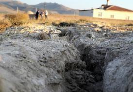 Konya Ovası'ndaki yüzey yarıkları yerleşim yerlerine ulaştı