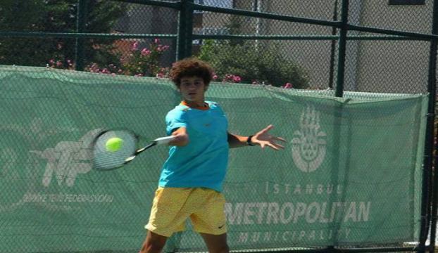 Milli tenisçi Koray Kırcı yarı finalde