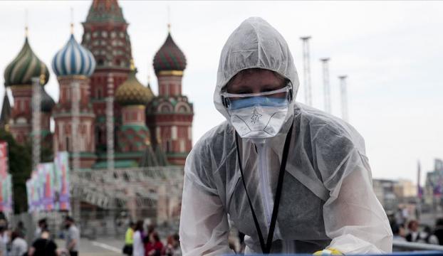 Rusyada Kovid-19 vaka sayısı 942 bini geçti
