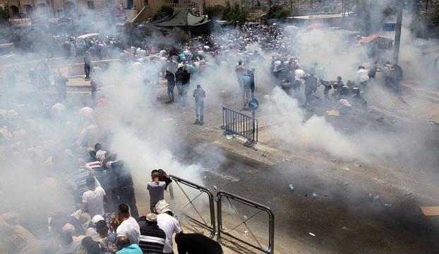 İsrail polisi Kudüs sokaklarında cemaate müdahale etti