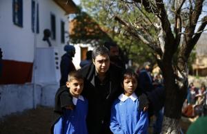 """Necati Şaşmaz """"23 Nisan"""" 'ı çocuklar ile Kurtlar Vadisi Vatan setinde kutladı."""