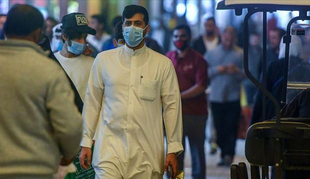 Kuveytliler Kovid-19 nedeniyle burunla selamlaşmayı bıraktı